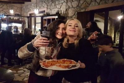 WIKI HOSTEL PIZZA PARTY wine hostel