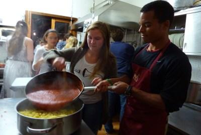 WIKI HOSTEL pasta party sauce tomato