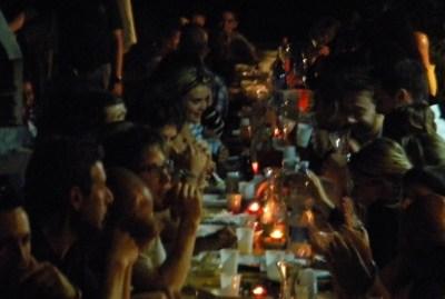WIKI HOSTEL top friendly social dinner by night
