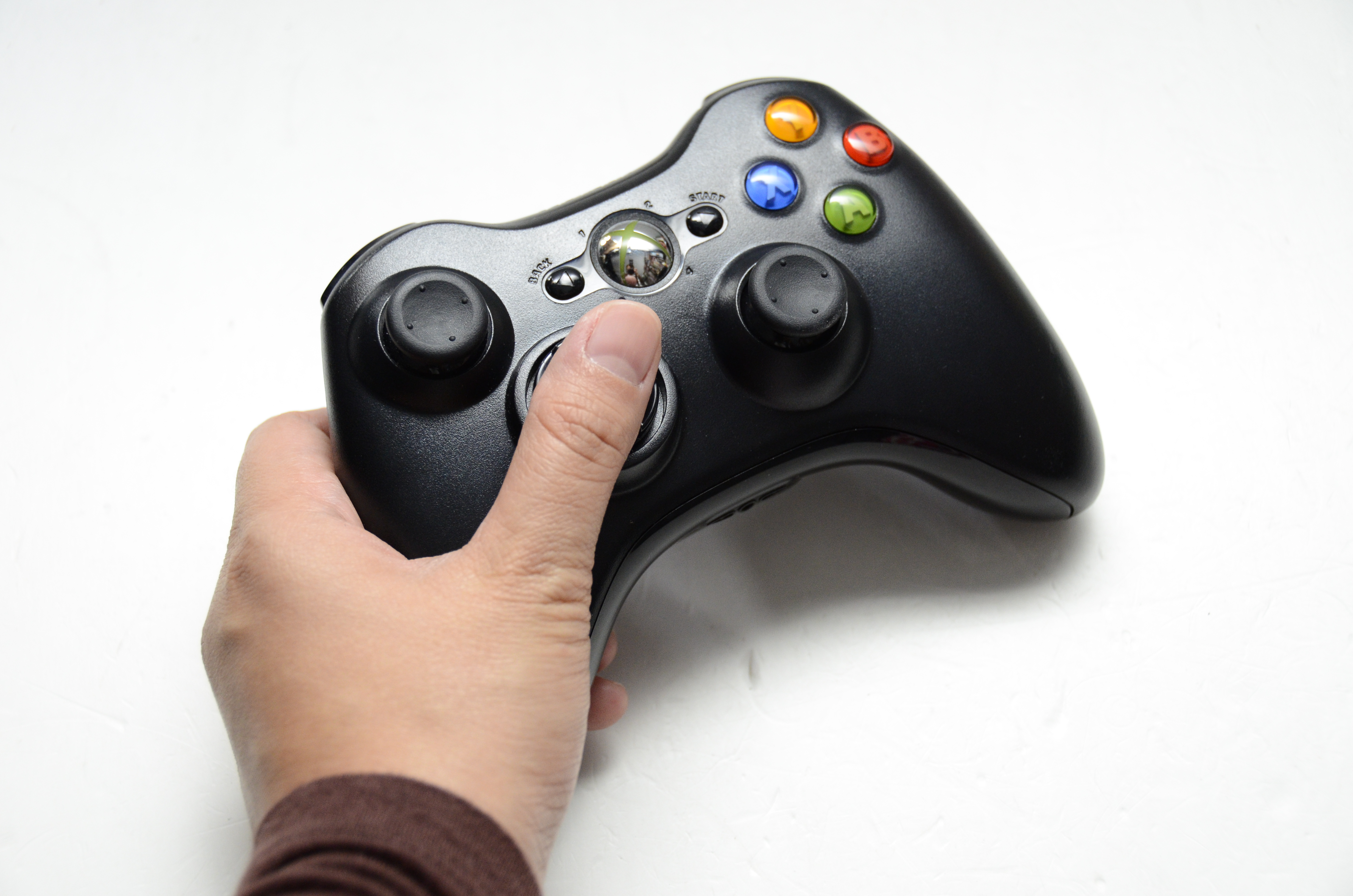 How To Change The Batteries Of An Xbox Controller 6 Steps