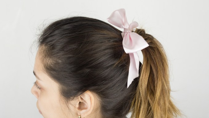 how to make a cheerleading ponytail: 11 steps (with pictures)