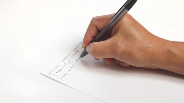 14 Ways to Hold a Pen - wikiHow