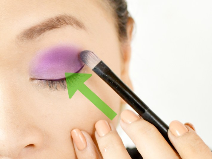 4 ways to do makeup for green eyes - wikihow