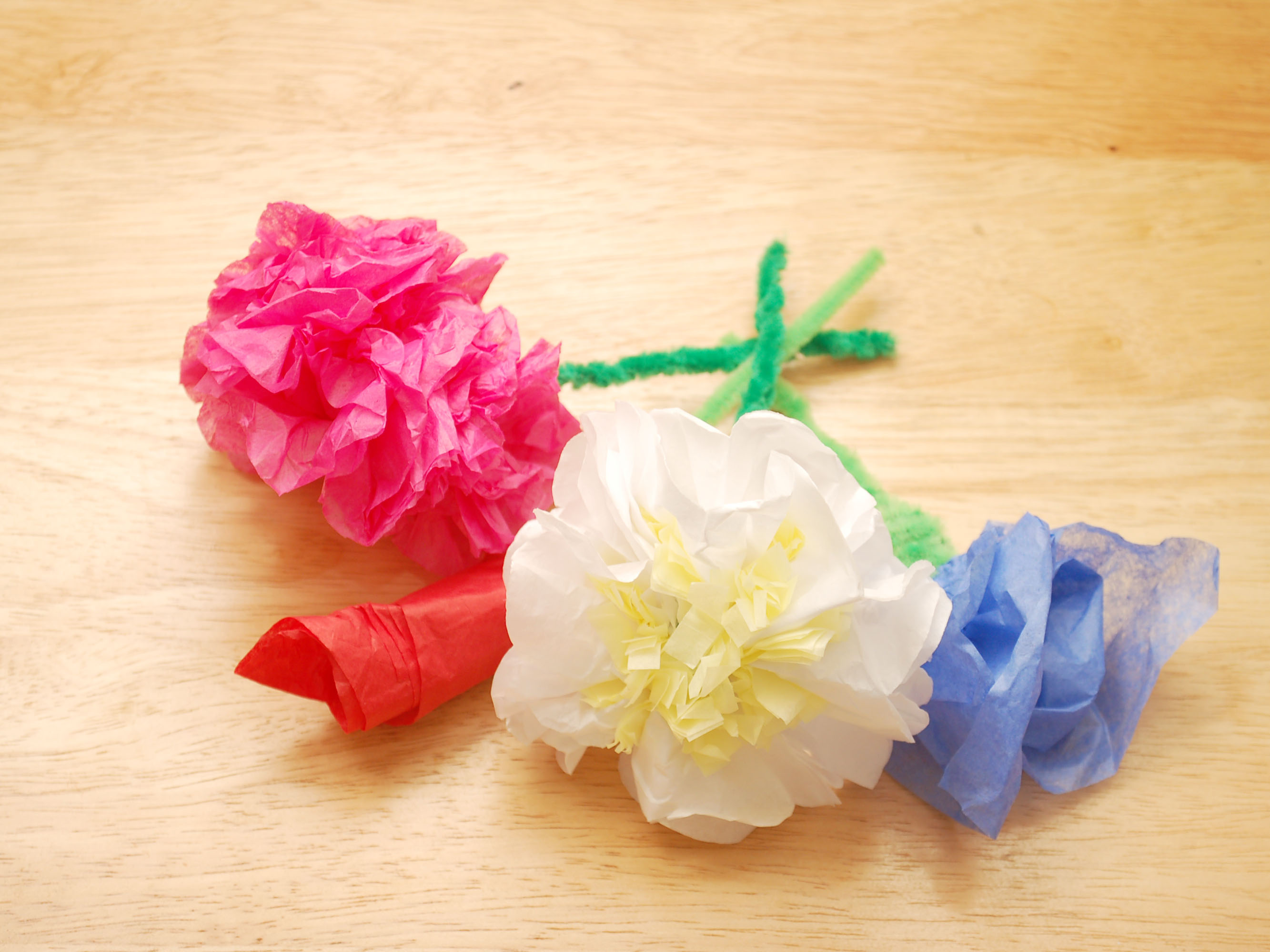 making flower with tissue paper   April onthemarch co making