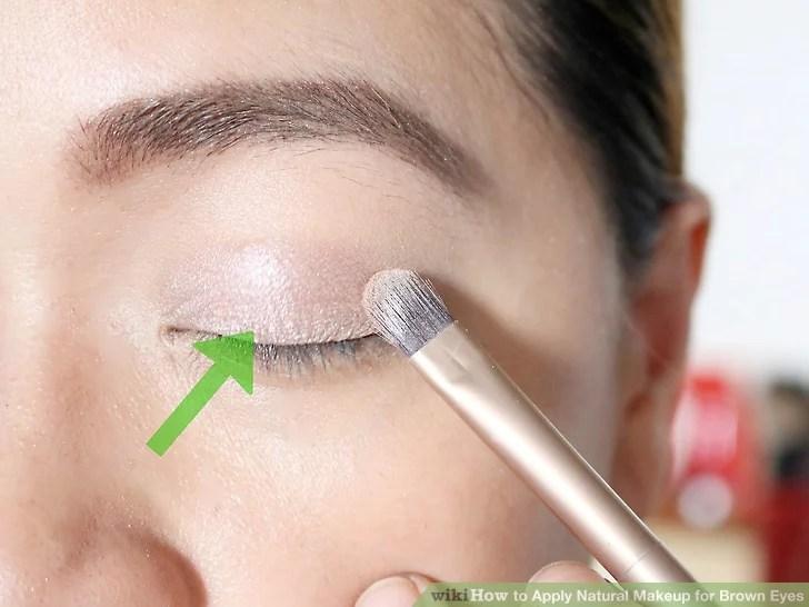 Изображение под названием нанесите натуральный макияж для карих глаз Шаг 4