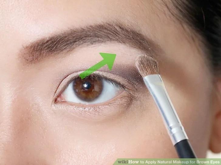 Изображение под названием нанесите натуральный макияж для карих глаз Шаг 7