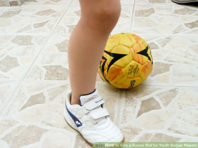 Image titled Kick a Soccer Ball for Youth Soccer Players Step 6