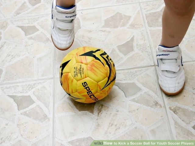 Image titled Kick a Soccer Ball for Youth Soccer Players Step 9
