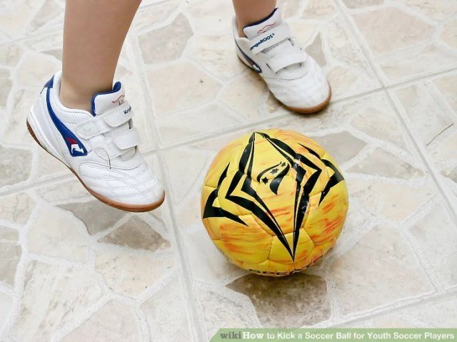 Image titled Kick a Soccer Ball for Youth Soccer Players Step 10