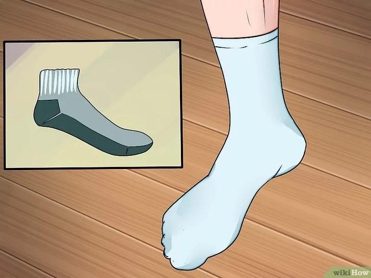 Immagine titolata Prevent Foot Blisters Step 4