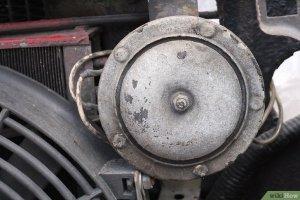 Comment réparer un klaxon de voiture: 10 étapes