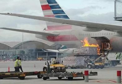 Kebakaran Dekat Pesawat AA Flight 192 Di Hongkong