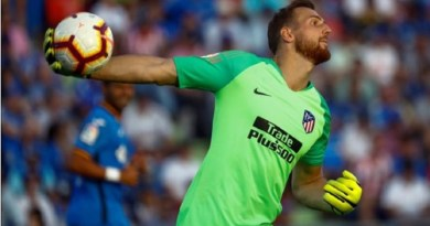Kiper Atletico Madrid Tinggalkan Timnas Slovenia