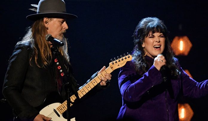 Jerry Cantrell e Ann Wilson fazem homenagem a Chris Cornell no Hall Of Fame
