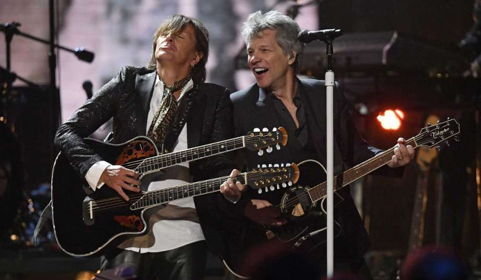 Bon Jovi entra no Hall Of Fame e banda toca clássicos com Richie Sambora