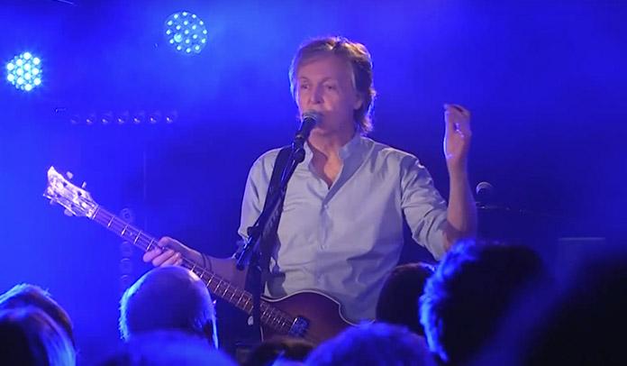 Paul McCartney no Cavern Club
