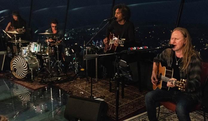Alice in Chains toca trecho de música inédita no famoso Space Needle em Seattle
