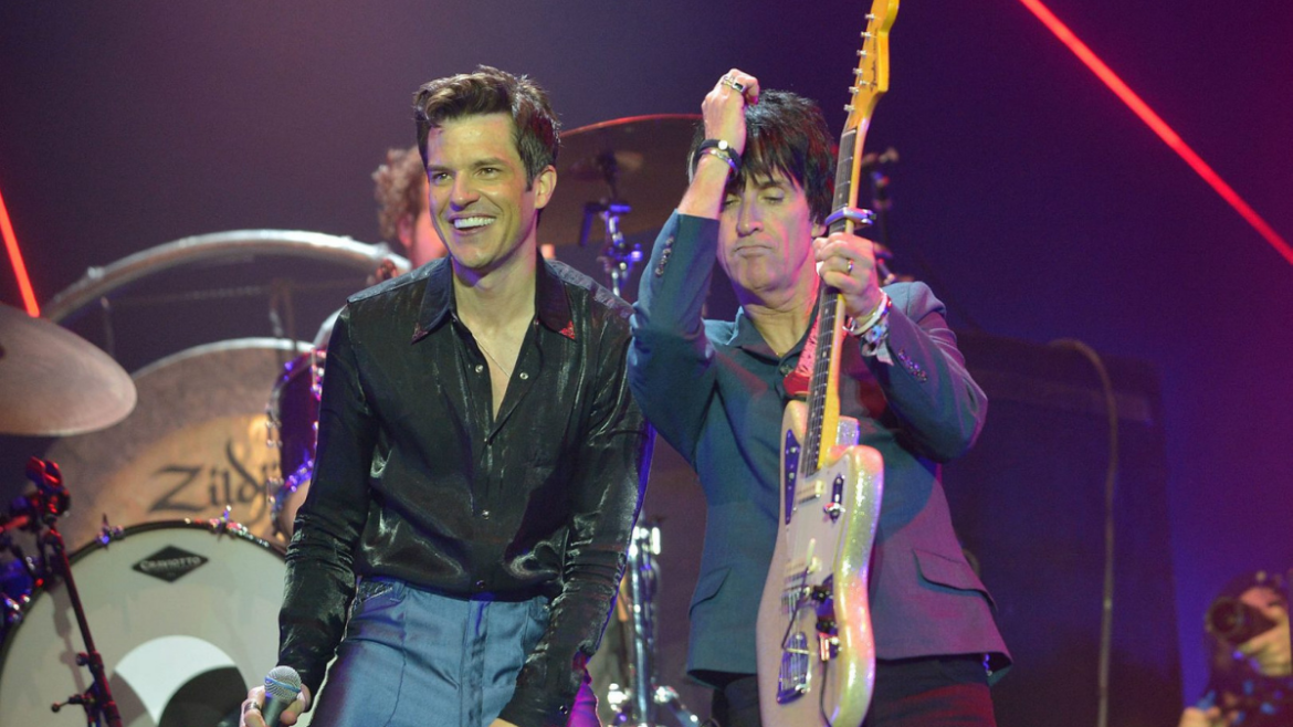 Johnny Marr e Pet Shop Boys tocam com The Killers no festival Glastonbury
