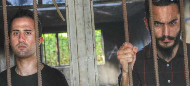 Bnada iraniana Confess é condenada à prisão e chibatadas