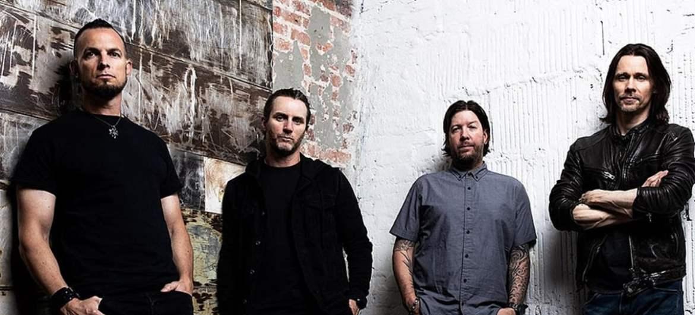 "Alter Bridge lança single ""Dying Light"""