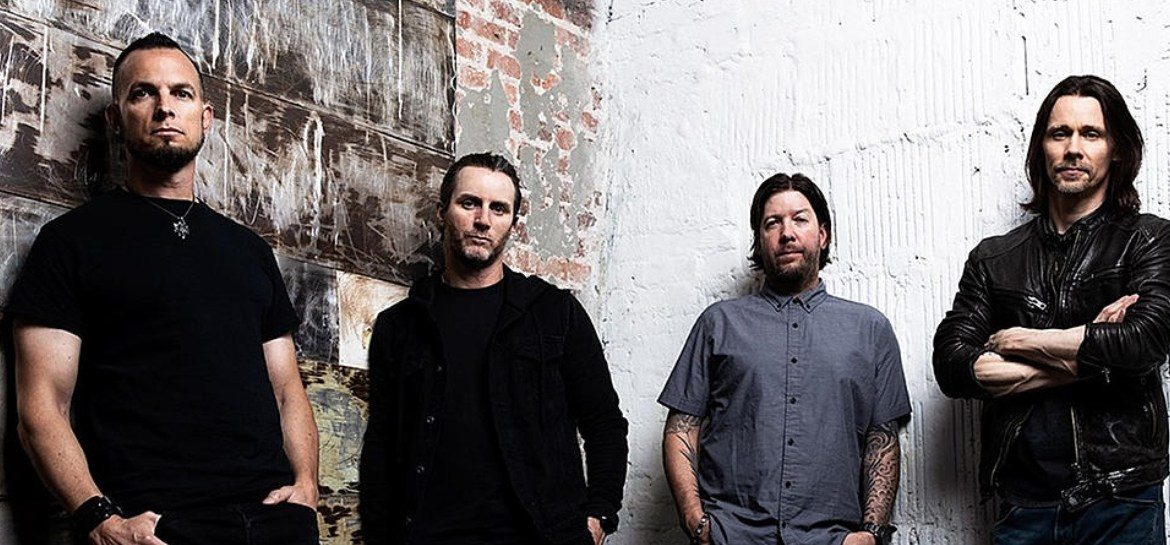 "Alter Bridge lança single ""Dying Light"""