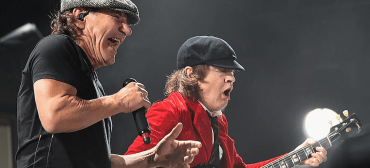 Brian Johnson e Angus Young