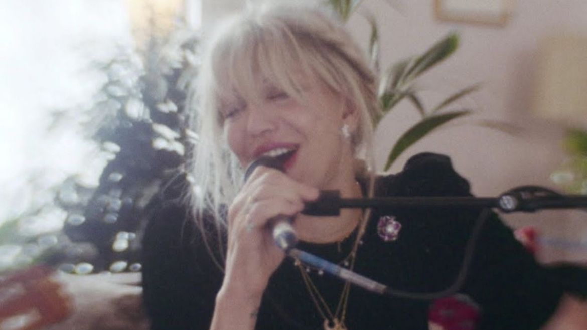 Courtney Love inicia série 'Bruises of Roses'