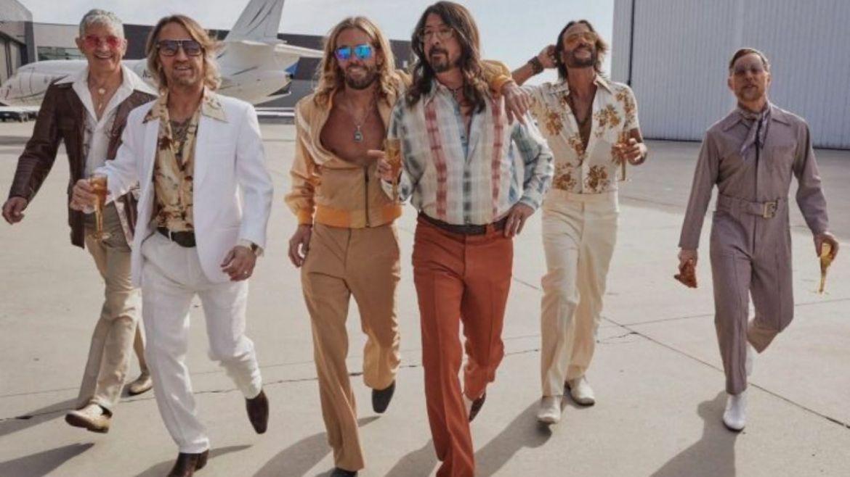 Foo Fighters como Dee Gees