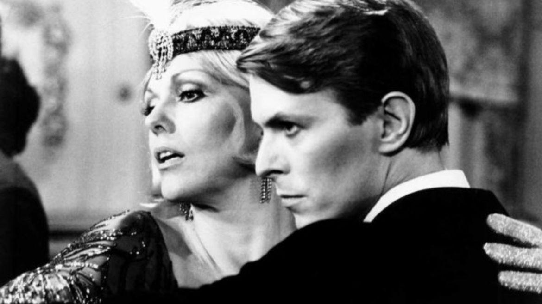 David Bowie e Kim Novak em 'O Perfeito Gigolô'