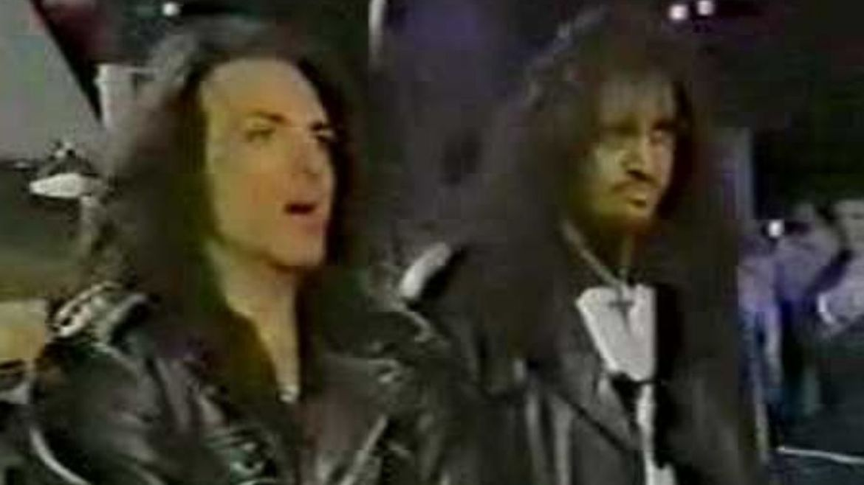 Paul Stanley e Gene Simmons no Dick Clark's New Year Eve em 1993