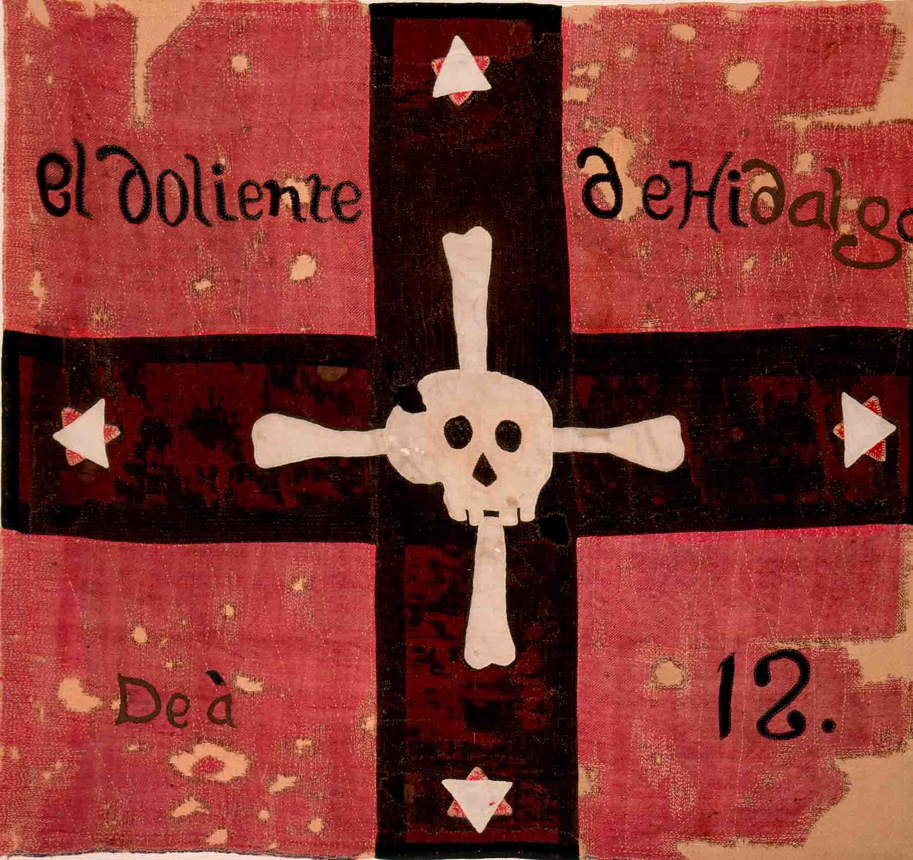 La bandera llamada «del Regimiento de la muerte» o «Dolientes de Hidalgo», en la cual la imagen de una calavera con cuatro huesos descansa sobre una cruz negra y un paño rojo, fue enarbolada, a partir de 1811, por el el cura José María Cos. «Los dolientes de Hidalgo», como se hacían llamar los miembros del regimiento, tenían como consigna hacer «la guerra a muerte y sin cuartel a los tiranos opresores» pero fueron completamente derrotados por las fuerzas realistas el 2 de enero de 1812, en Zitácuaro.