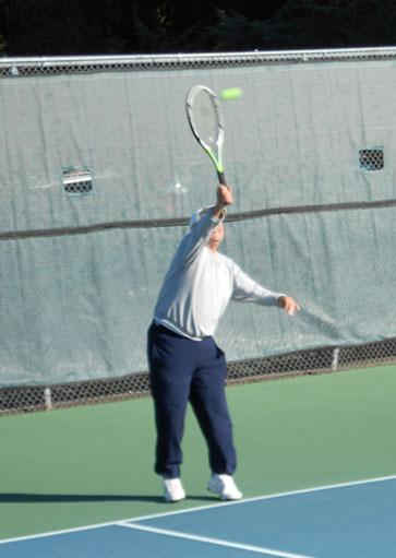 Santa Rosa tennis serve