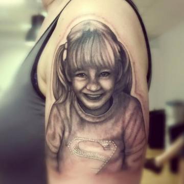 Wild Spirit Tattoo Hameln – Portrait auf dem Arm