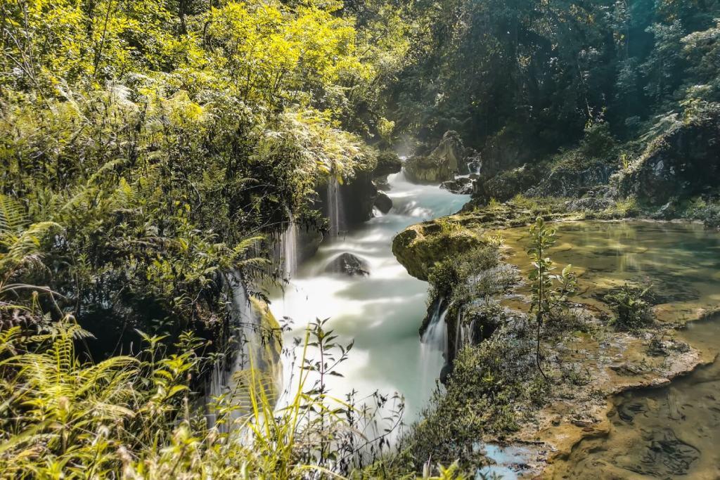 Auswandern Guatemala Wasserfall Semuc Champey