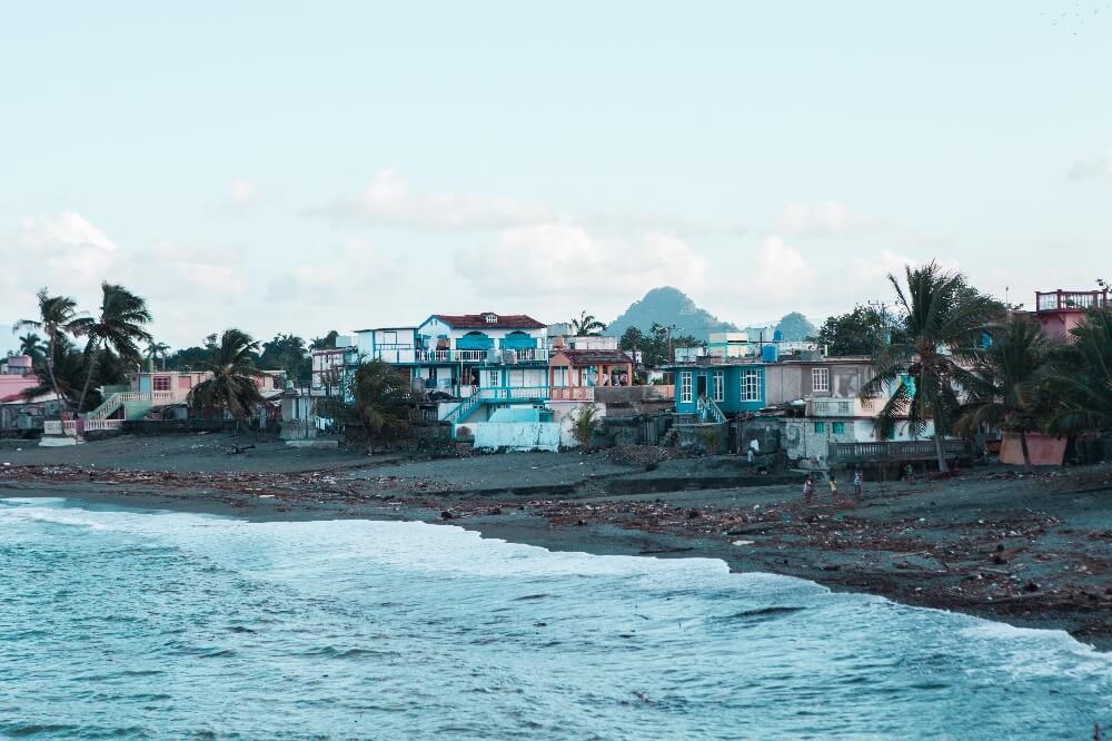 schwarzer Strand in Baracoa