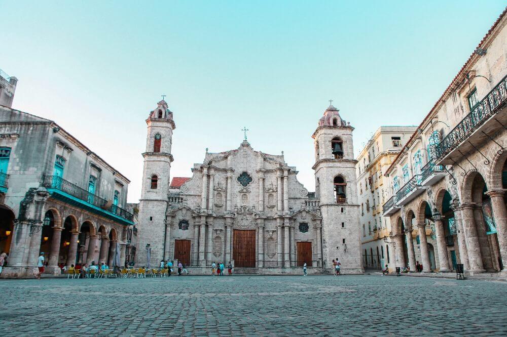 Reiseroute 3 Wochen Havanna Kirche