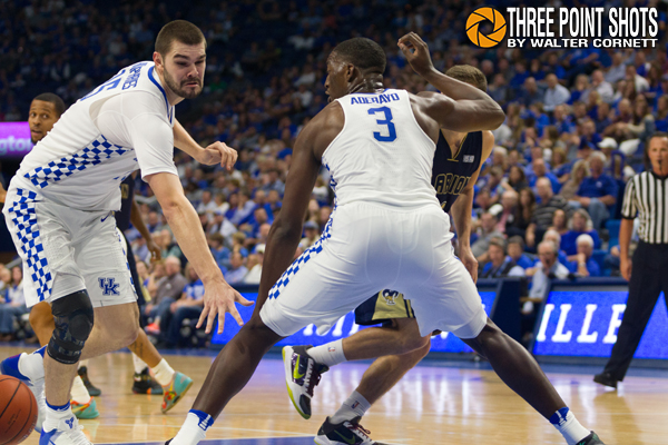 Kentucky Defense - photo by Walter Cornett