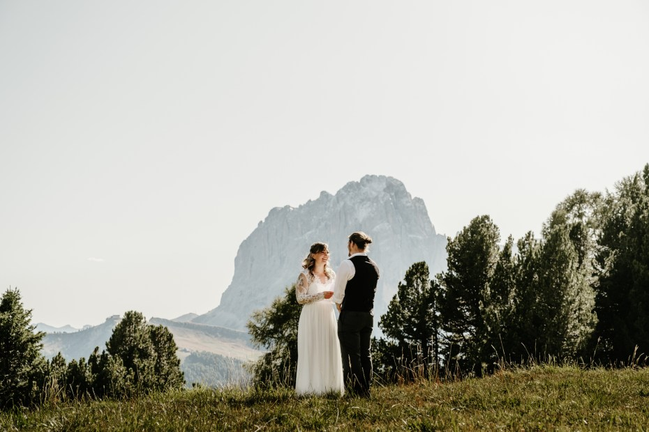 Elopement ceremony in the Swiss Alps by Wild Connections Photography