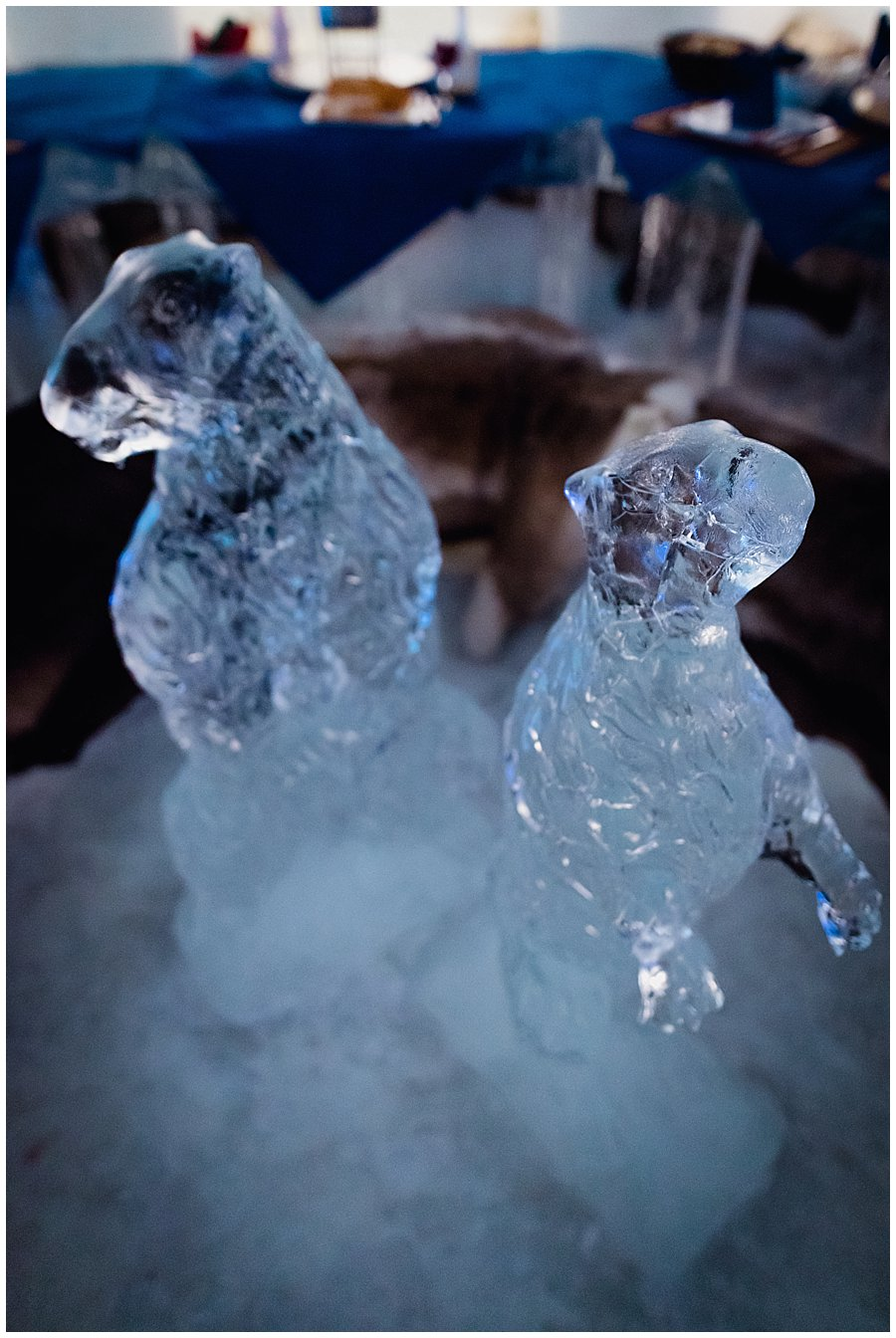 Animals carved from ice as a centre piece in the middle of the ice table