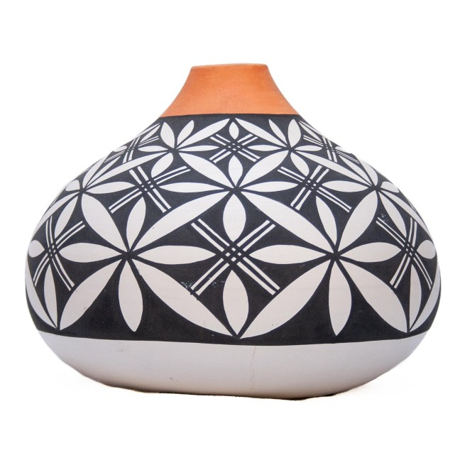 Hilda Antonio Acoma Seed Pot