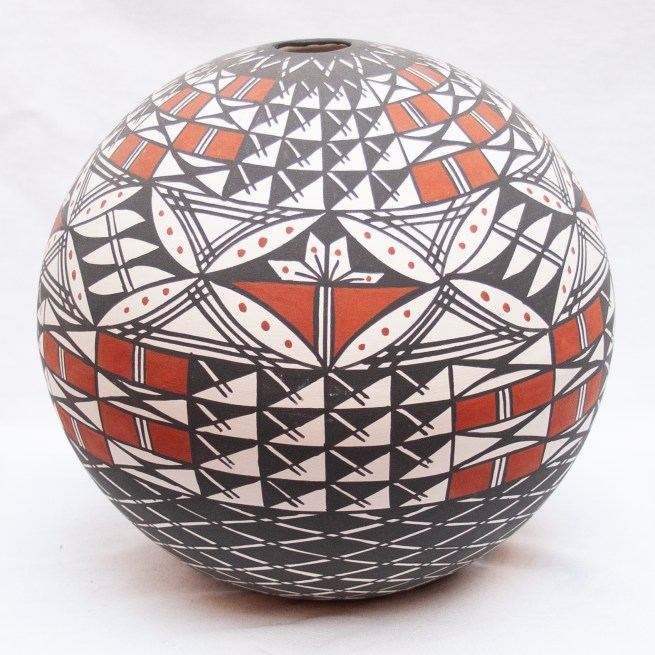 Native Acoma Seed Pot