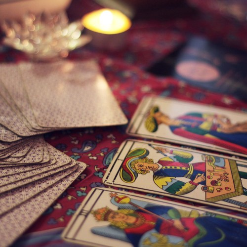 TAROT & PSYCHIC READINGS
