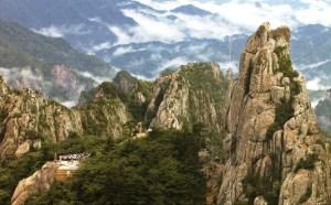 9. The Baekdu Daegan Trail