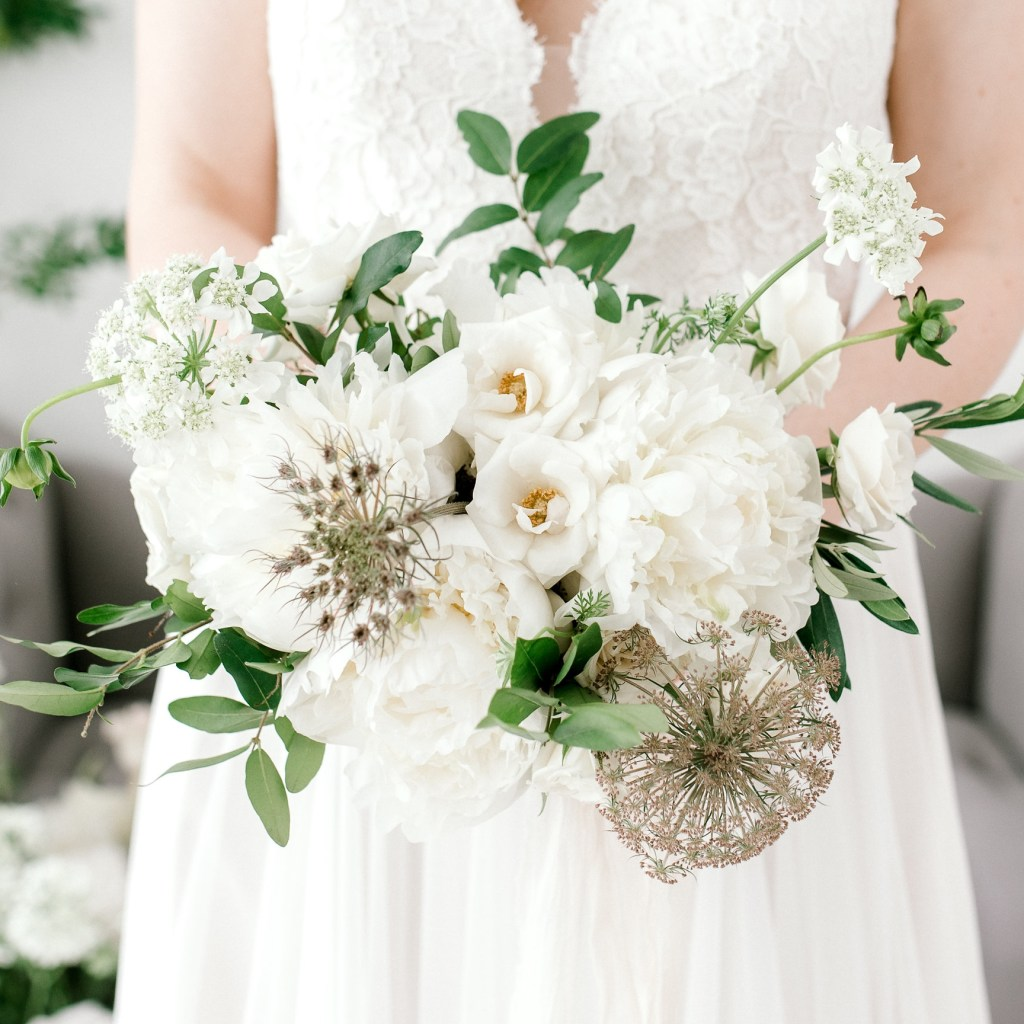 Green and white wedding flowers wildflowers llc nashville weddings green and white wedding flowers mightylinksfo