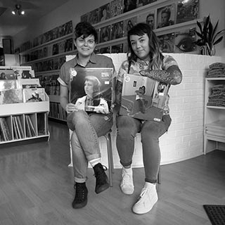 023-record-store-people-o320px