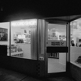 032-record-store-people-o320px