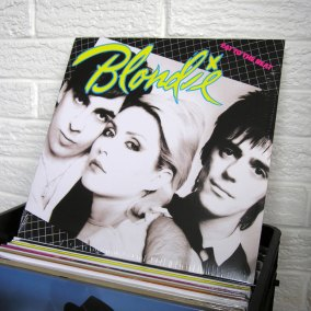 28-BLONDIE-eat-to-the-beat-o800px