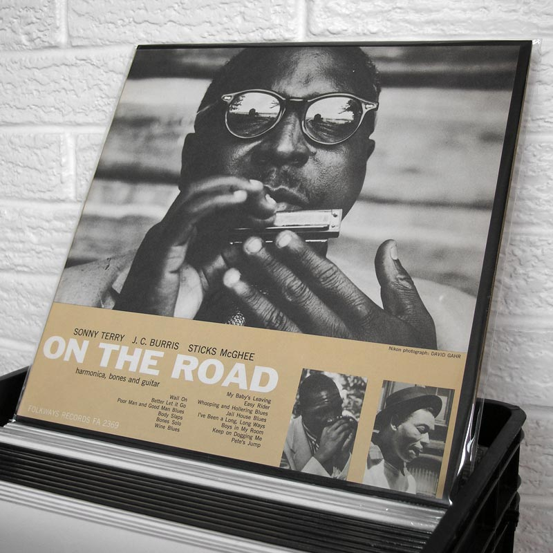 01-SONNY-TERRY-JC-BURRIS-STICKS-McGHEE-on-the-road-o800px