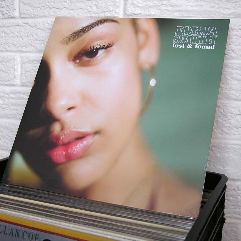 05-JORJA-SMITH-vinyl-record-store-wild-honey-o800px