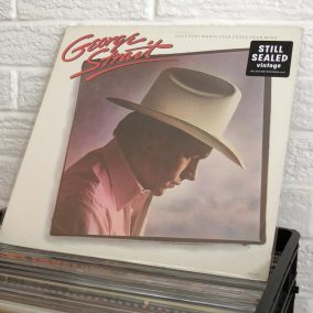 012-country-vinyl-o1080px